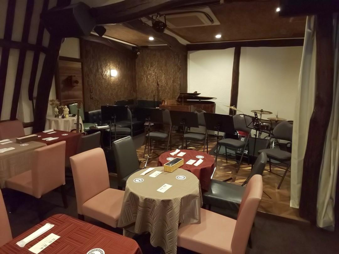クラリネットライブ会場となるレストランのステージ